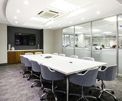 https://kofisi.africa/wp-content/uploads/2019/04/Hyde-Park-meeting-room.jpg